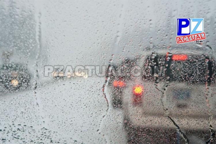 Policía de Tránsito alerta a conductores y peatones por riesgos producto de primeras lluvias.