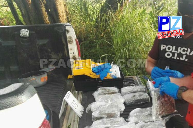 Fuerza Pública de Parrita decomisó siete kilos de marihuana que dos sujetos llevaban en un automóvil.