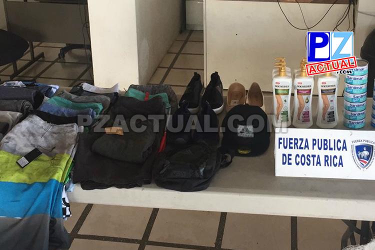 Oficiales de Garabito detienen a dos personas que en apariencia robaban en comercios del cantón.