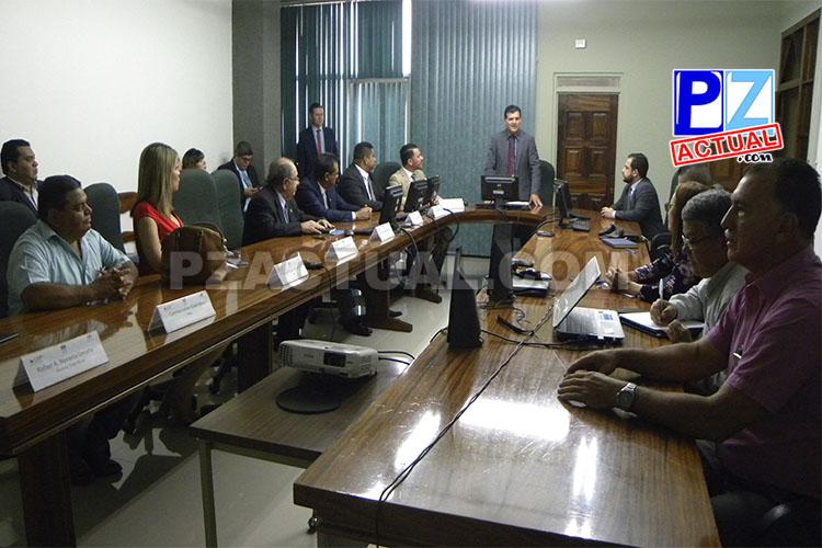 Reunión alcalde de Coto Brus con diputados www.pzactual.com