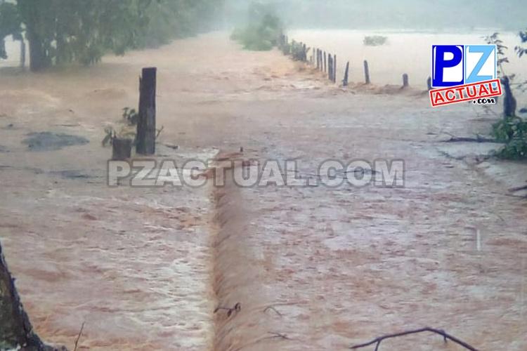 Condiciones lluviosas fuertes e intermitentes en el Pacífico Central y Sur.