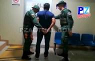 Policía de Fronteras intercepta conductor con droga oculta en piso y techo de vehículo.