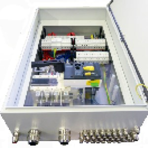 Stringbox BIG mit 8-16 Strings fernauslösbarer DC Freischalter Sensorik Sicherungen in Plus- und Minuspol