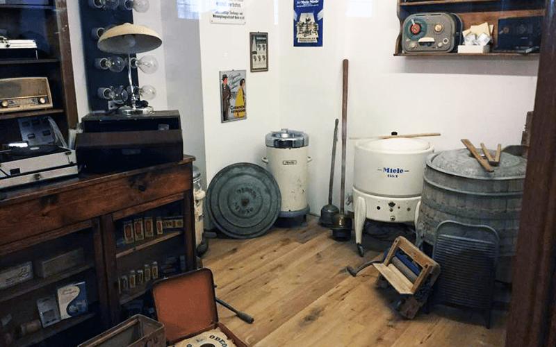 Zylinderhaus Antiquitäten