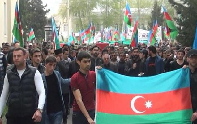 """""""Şəhidimiz son mənzilə izdihamla yol salındı -  Fotolar"""