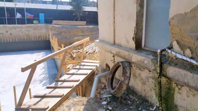 Nazir direktoru işdən qovdu -  Kollecin həyətində bina tikilirmiş+Fotolar
