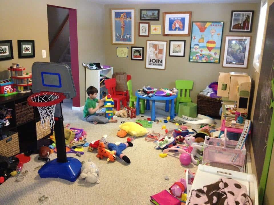 الخبراء يحذرون.. كثرة الألعاب مضرة بالطفل