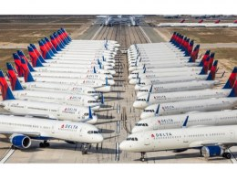 Where did Singapore Airlines parked there planes during the COVID-19 outbreak?