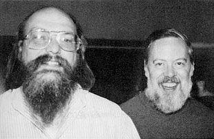 Ken Thompson (izquierda) y Dennis Ritchie