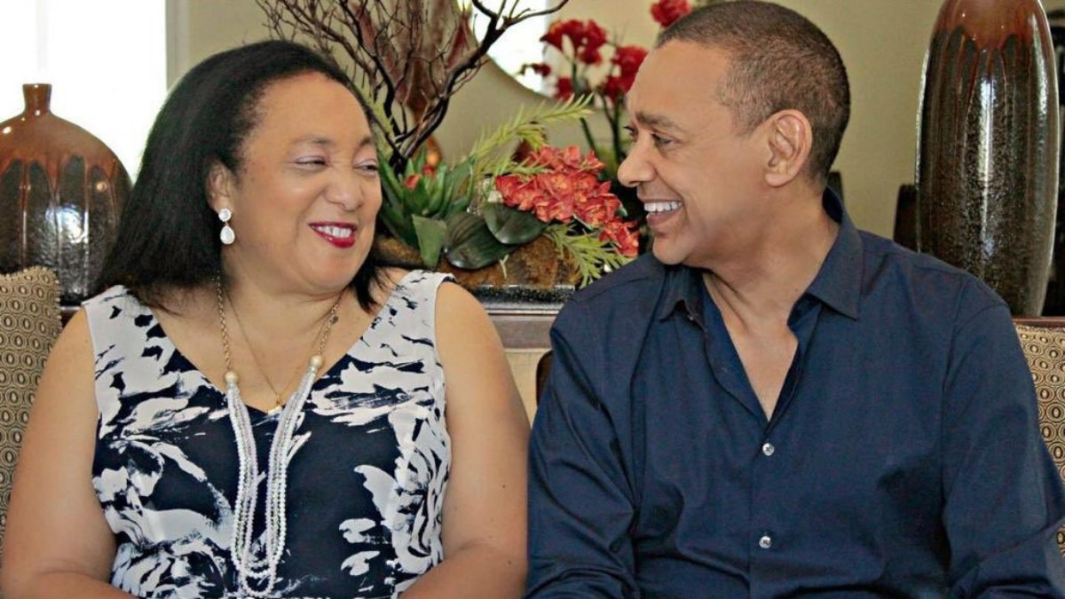 Ben Murray-Bruce buries wife - QED.NG