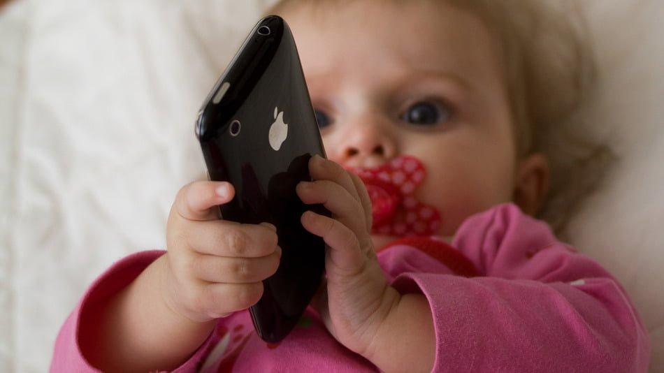 10 razones por la que los niños no deben usar electrónicos portátiles antes de los 12 años