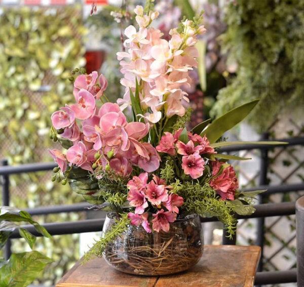 arranjo de flores artificiais para decoração de sala