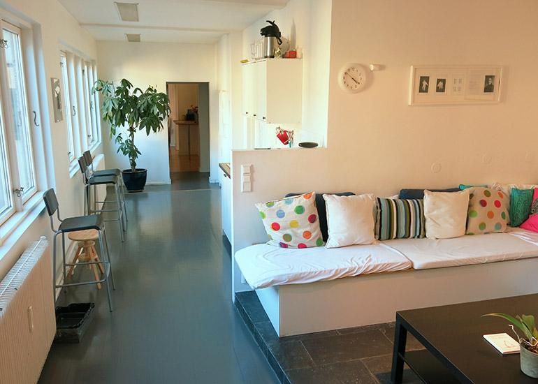 Kjøkken lounge mot inngang