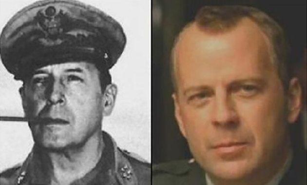 Bruce Willis y el General Douglas MacArthur