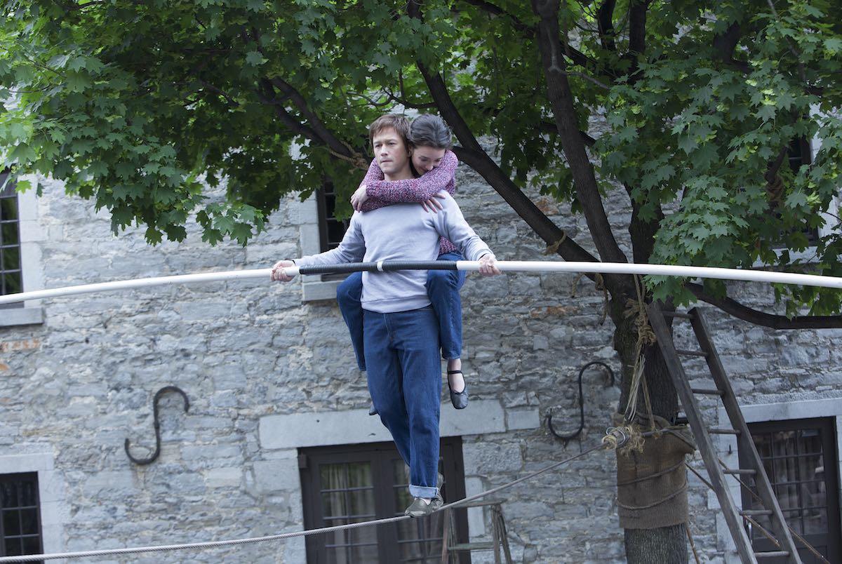 Joseph Gordon-Levitt y Charlotte Le Bon en The Walk