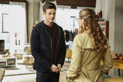 supergirl-season-2-medusa-crossover-image-10