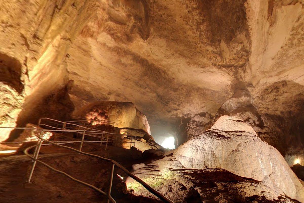 Google Street View Puerto Rico - Cavernas de Camuy