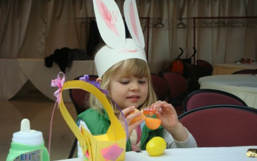 Qingdao International Community Centre - Easter Crafts and Tea