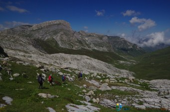 Descente sous les falaises de la Cima delle Saline – Jour 2 – Tour du Marguareis – Juin 2016 – Trek, Rando, Italie