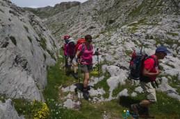 Sentier dans les lapiaz – Jour 4 – Tour du Marguareis – Juin 2016 – Trek, Rando, Italie
