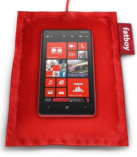Nokia-Fatboy-Wireless-Charging-Pillow-in-use