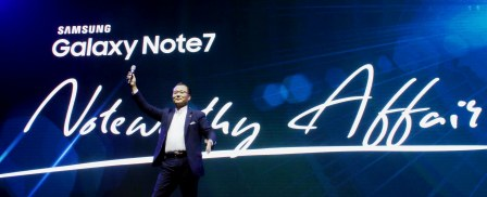 Kevin Lee, President and Managing Director, Samsung Electronics Philippines, joyfully welcomed guests and proposed a toast to the Noteworthy Affair, and the future of Samsung mobile