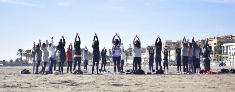 yoga-playa-verano