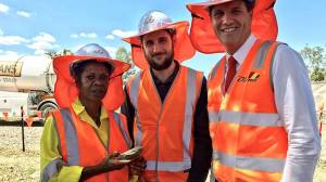 Minister Anthony Lynham with Diona contractors