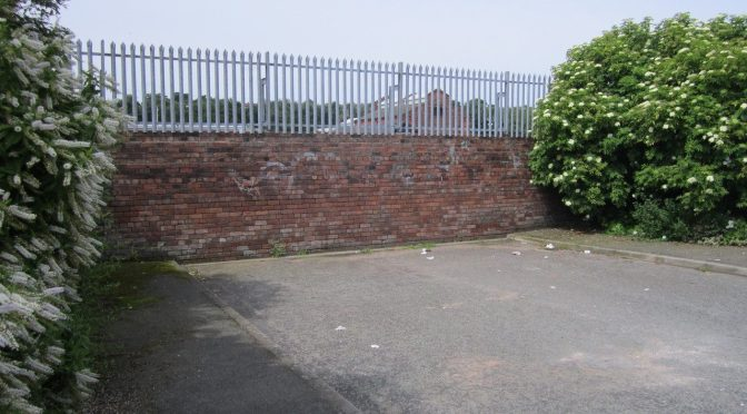 Dead-end_street_off_Campbeltown_Road,_Birkenhead