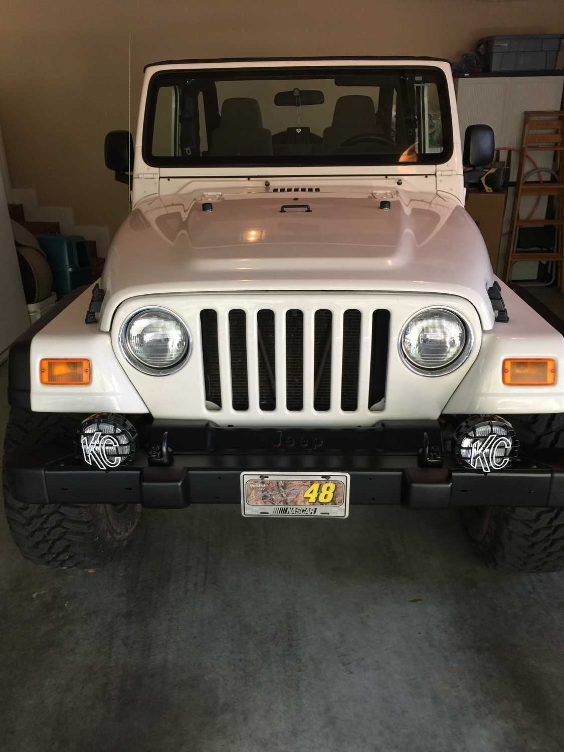 Jeep Wrangler Fog Light Bulb Replacement