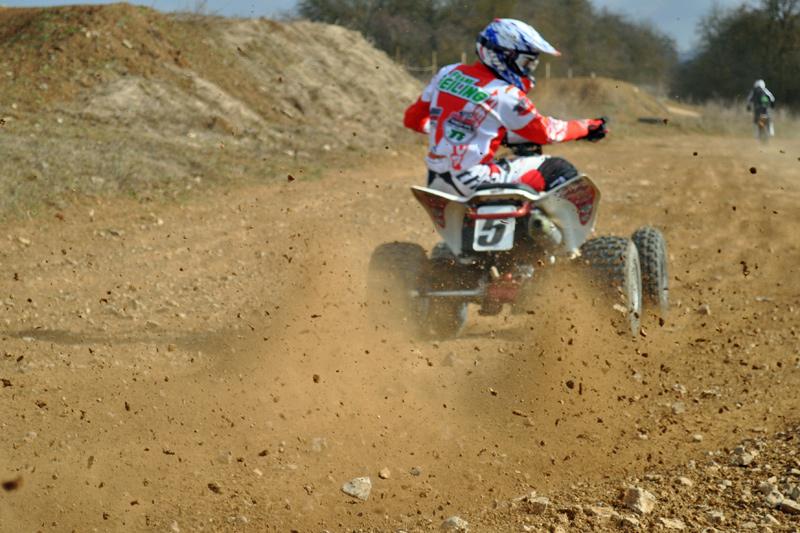 Racing-Reifen im test: Der ITP auf der Honda TRX.