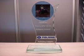 Pokal: von Polaris gab es einen Pokal zur riesigen Laufleistung.