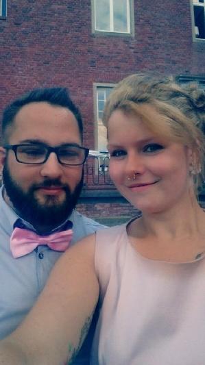 Verliebt, verlobt und bald verheiratet: wir wünschen dem Paar nur das Beste für die gemeinsame Zukunft!