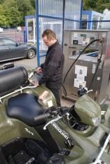 Handling-Test: Gas tanken ist genau so einfach wie der normale Tankvorgang mit Benzin.