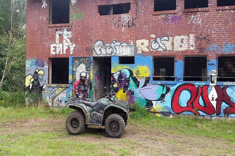 Unterwegs: Es gibt viel zu entdecken auf dem ehemaligen Militärgelände.
