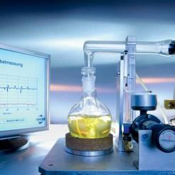 Ein Buch mit sieben Siegeln: Öl wird in aufwendigen Verfahren hergestellt.