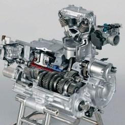 Ohne Öl geht gar nix: Der Schmierstoff verhindert die Abnutzung des Getriebes, beugt Verschleiß vor, macht den Schaltvorgang erst möglich.