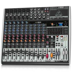 Behringer Xenyx X1832USB 18 entrées 3/2 bus Interface audio USB