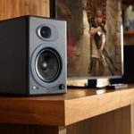 Audioengine A5+ Classic 150W Enceintes d'étagère amplifiées   Amplificateur analogique intégré   Télécommande   Entrées RCA et 3,5 mm   Câbles fournis (Noir)