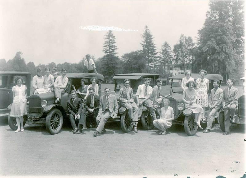 1920s-Quaker-Youth-Caravan2