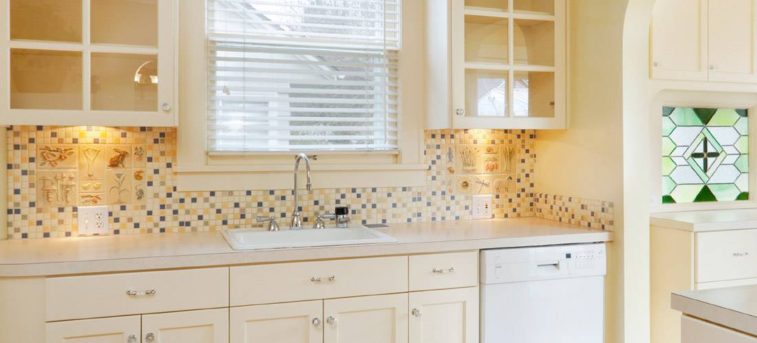 7 remodel ideas for tiny kitchens | QualitySmith on Small:xmqi70Klvwi= Kitchen Remodel Ideas  id=42361