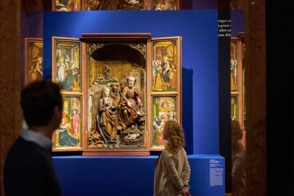 """Ausstellungsansicht """"Heilige Nacht"""" Foto Liebieghaus Skulpturensammlung"""