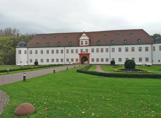 3_Schloss-Heusenstamm