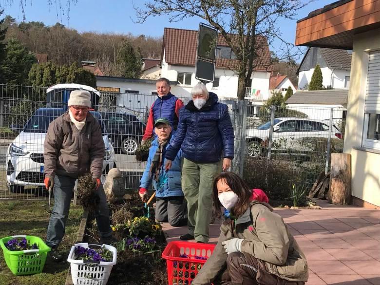 BT-Waldacker-Projekttag-19-03-2021-Natur-zurück-in-die-Stadt--Innenbeete-werden-erneuert
