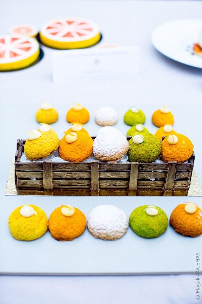 Choux croustillants mandarine, orange, citron vert, vanille-kumquat et citron jaune.