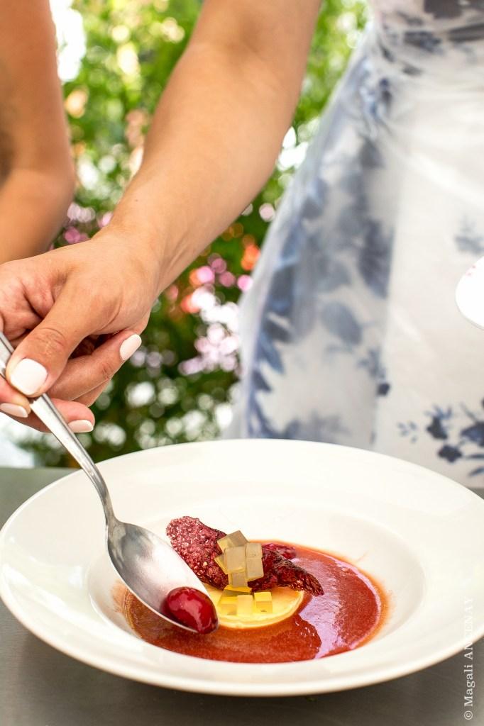 Dessert gourmand aux cerises, vanille et thym citron - Emmanuelle Ronan