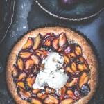 Tarte aux prunes - Magali ANCENAY Photographe culinaire