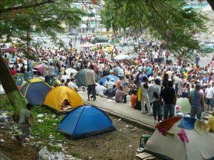 Refugiados colombianos en el Ecuador se reúnen para revisar sus derechos