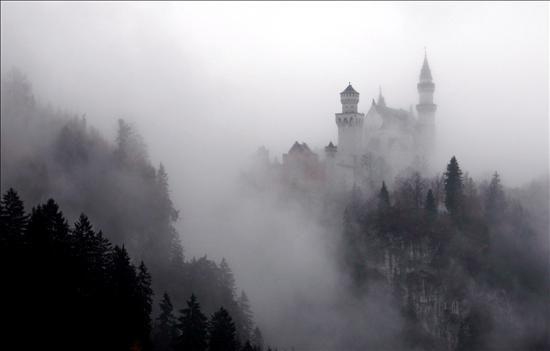 Resultado de imagen de castillo niebla