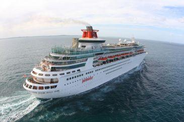 Los astilleros de Navantia-Cádiz repararán en noviembre uno de los cruceros de Pullmantur